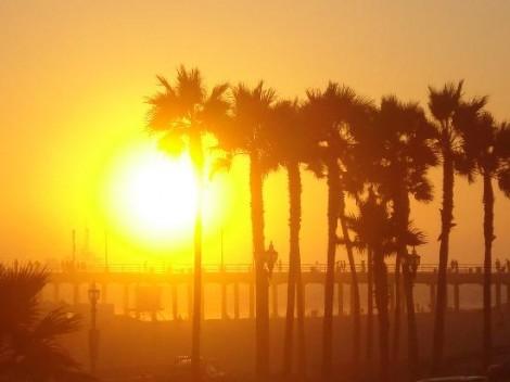 sunset-over-hb-pier